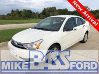 White Suede 2011 Ford Focus SE 201A FWD 4-Speed