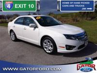 2011 Fusion SE 4D Sedan with fuel saving 2.5L I4 engine