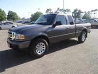 Exterior Color: gray / black, Body: Extended Cab