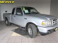 Exterior Color: silver metallic, Body: Extended Cab