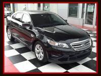 2011 Ford Taurus Sedan SEL Our Location is: Nissan of