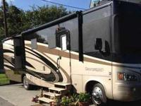 2011 Forest River Georgetown - - Only 7000 Miles on