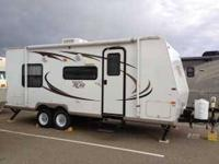 2011 Forest River Rockwood Roo Travel Trailer This 28.5
