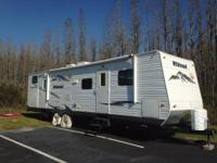 2011 Forest River Wildwood 32ft Bunk house 2 Slides one