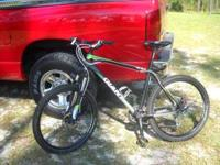 Very good condition 2011 Giant Revel 0 mountain bike.