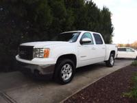 We are excited to offer this 2011 GMC Sierra 1500. This