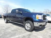 8 FOOT BED!!! From mountains to mud, this Blue 2011 GMC