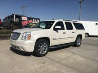 Come see this 2011 GMC Yukon XL Denali. Its Automatic