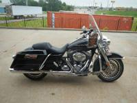2011 Harley-Davidson FLHR THIS ROADKING HAS CUSTOM