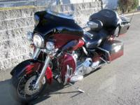 2012 Harley Davidson FLHTCUSE6  Low Miles!!  Screaming