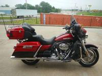 2011 Harley-Davidson FLHTK LET THIS BABY TAKE YOU ON