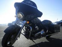 2011 Harley Davidson Street Glide!Check out this 2011