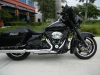 2011 Harley-Davidson FLHX Street Glide BLACKED OUT