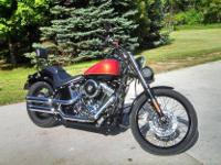 2011 Harley Davidson FLSTN Softail. 2011 Harley