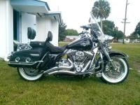 2011 one owner totally chromed out Road king classic.