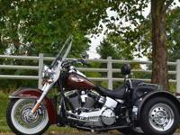 2011HARLEY DAVIDSONDELUXE TRIKE ROOT BEER TWO
