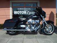 -LRB-561-RRB-684-8995. 2011 STREET GLIDE A MUST SEE. IT
