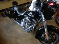2011 Harley-Davidson Street Glide ONLY 4 474 MILES ALL