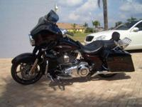 2011 HARLEY DAVIDSON SCREAMIN EAGLE STREET GLIDE, 110
