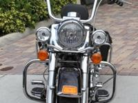 2011 Harley Davidson Road King 2 Tone Dark Candy Root