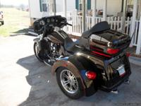 2011 harley trike. has 4,962 miles. bought new with 7