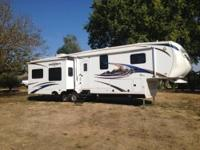 Bighorn model 3670 RL, 5th wheel RV. Standard features