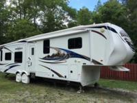 2011 Heartland Bighorn 3670RL, This is a buy owner