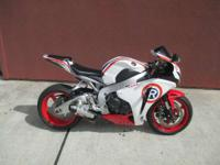 2011 Honda CBR1000RR Very Clean! Hurry this one will
