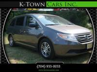 Options:  2011 Honda Odyssey Ex-L Minivan 4D|Gray|No