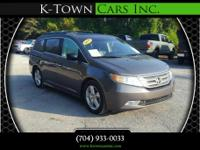 Options:  2011 Honda Odyssey Touring Minivan 4D|Gray|No