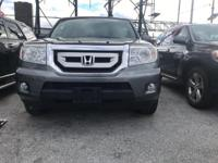 Drive away with this beautiful 2011 Honda Pilot. Down