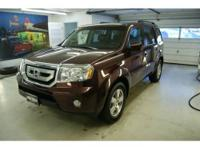 4WD! Leather & Heated Seats! Back-up Camera! See