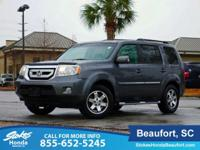 Clean CARFAX. Polished Metal Metallic 2011 Honda Pilot