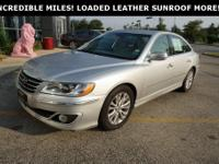 2011 Hyundai Azera Limited CARFAX One-Owner.   Priced