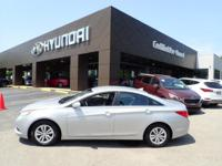 FUEL EFFICIENT 35 MPG Hwy/22 MPG City! CARFAX 1-Owner,