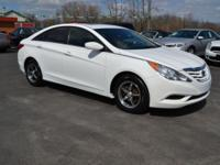 This is a very nice 2011 Hyundai Sonata with good