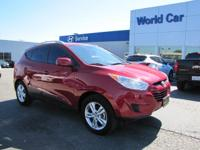 FUEL EFFICIENT 25 MPG Hwy/20 MPG City! Extra Clean,