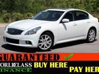 Exterior Color: moonlight white, Body: Sedan, Engine: