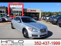 2011 JAGUAR XF SPORTS SEDAN WITH NAVIGATION AND SUNROOF