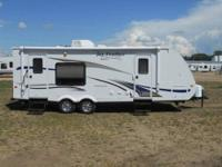 Gorgeous 2011 travel trailer! 5000 lbs fully loaded.