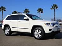 4WD, Front dual zone A/C, Fully automatic headlights,