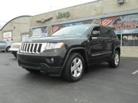 Come test drive this 2011 Jeep Grand Cherokee! You'll