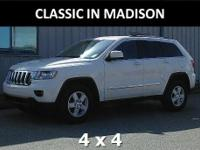 This 2011 Jeep Grand Cherokee has 17-inch alloy wheels,