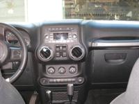 2011 Jeep Wrangler Unlimited Sport 4 door, 4WD,