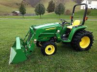 Selling a 2011 John Deere 3032e, it is a 32 hp diesel