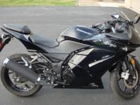 2011 Kawasaki Ninja 250 R for sale. Only has 134