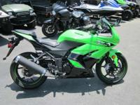 2011 Kawasaki Ninja 250R LESS THAN 1000 MILES!!