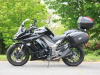 Impeccable Kawasaki ZX1000 Ninja, with Givi side hard