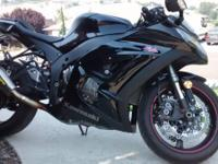 Very nice 2011 Black Kawasaki zx10r. All original