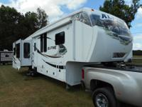 Weight: 12,309Condition: GreatLength: 39'Interior